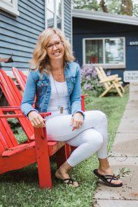 Best Chiropractor Fenton Michigan - Dr Erica Peabody Chiropractic Meet your Server